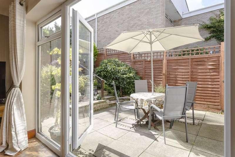 4 Bedrooms Detached House for sale in Mill Croft, Bishop's Stortford