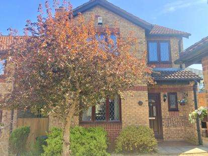 4 Bedrooms Detached House for sale in Homemead Drive, Brislington, Bristol