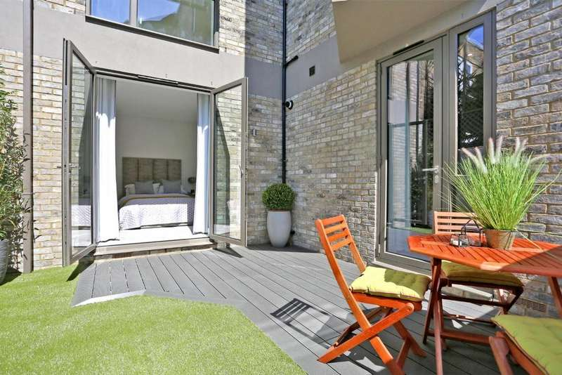 2 Bedrooms Apartment Flat for sale in Leighton Road, Northfields, W13