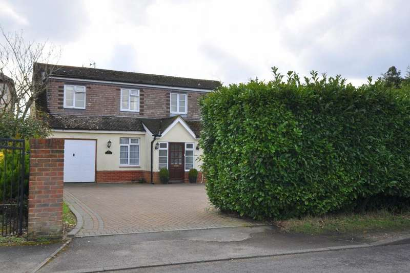 4 Bedrooms Detached House for sale in Ringwood, BH24 1ST