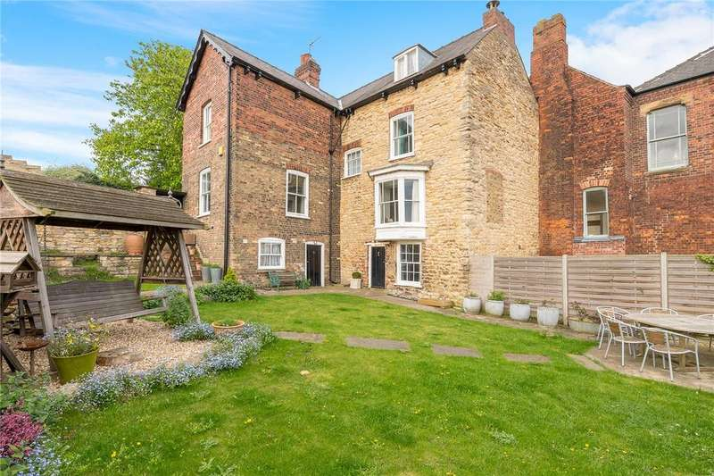 4 Bedrooms Link Detached House for sale in Drury Lane, Lincoln, Lincolnshire, LN1