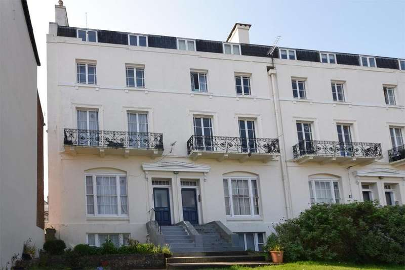 2 Bedrooms Flat for rent in Lind Court, Lind Street, Ryde