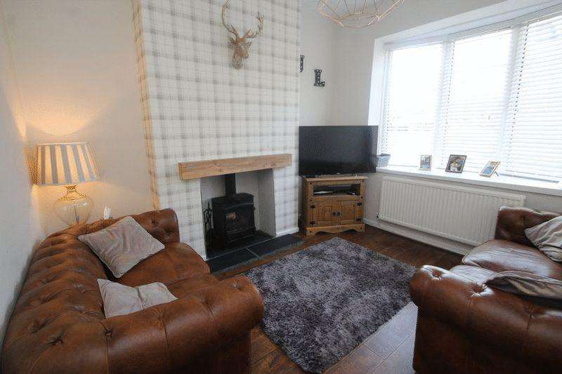 3 Bedrooms Terraced House for sale in Edenfield Road, Passmonds, Rochdale OL11 5AF