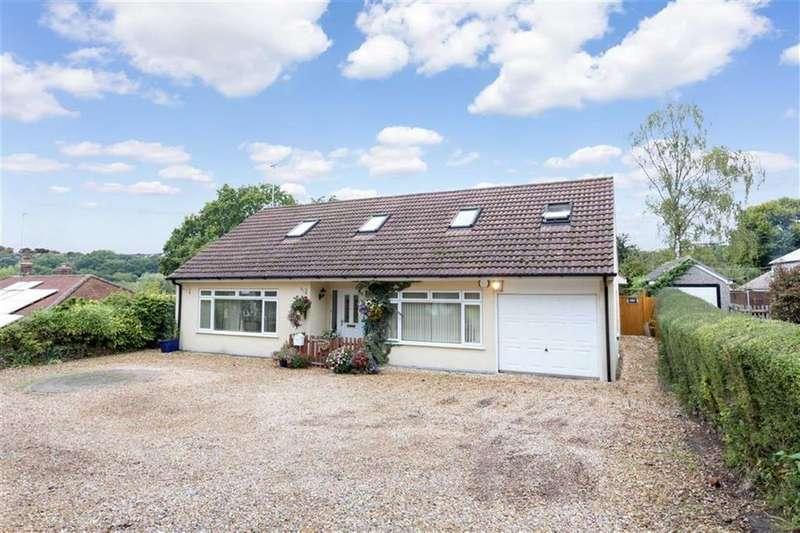 4 Bedrooms Chalet House for sale in Verwood Road, Wimborne, Dorset