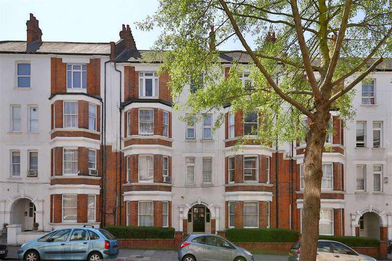 3 Bedrooms Flat for sale in Holmleigh Road, London
