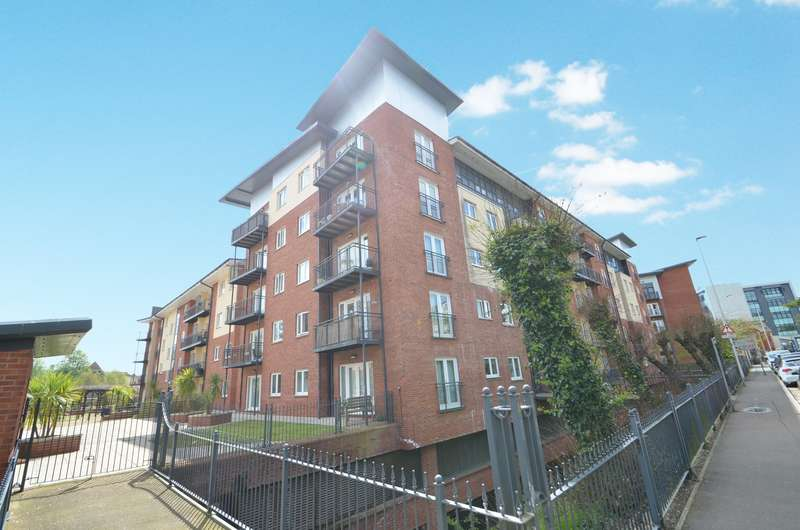 3 Bedrooms Flat for sale in New North Road, Exeter