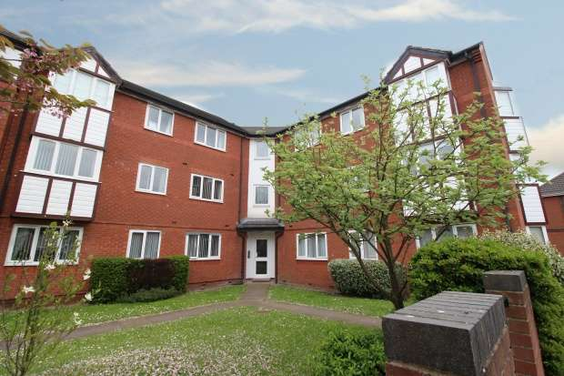 2 Bedrooms Apartment Flat for sale in Portland Gate, New Ferry, Cheshire, CH62 4SG