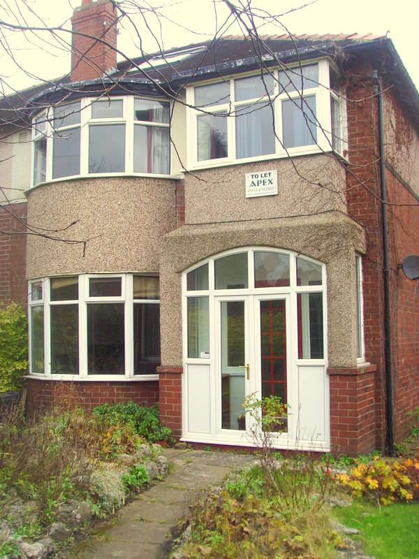 5 Bedrooms Semi Detached House for rent in St Annes Road, Headingley, Leeds