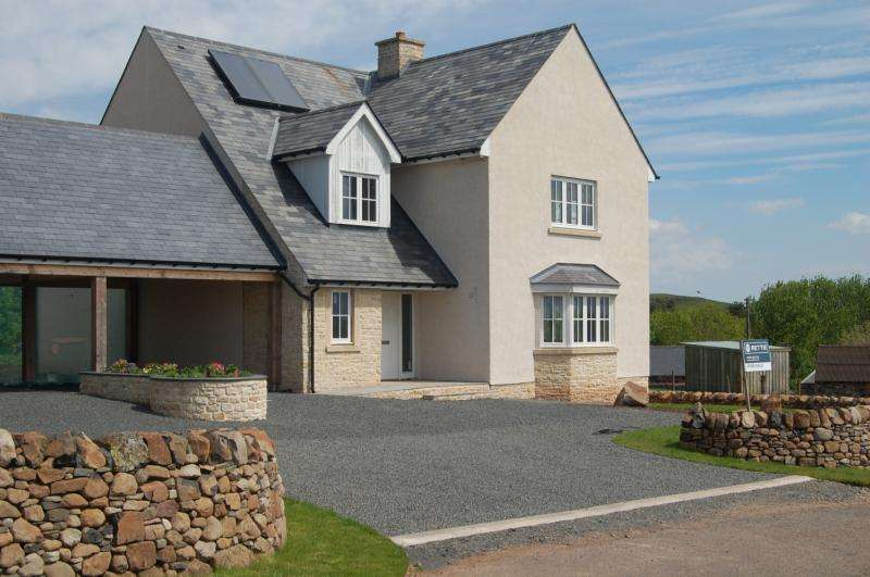 4 Bedrooms Detached House for sale in Newhaven, Gordon, Berwickshire, Scottish Borders