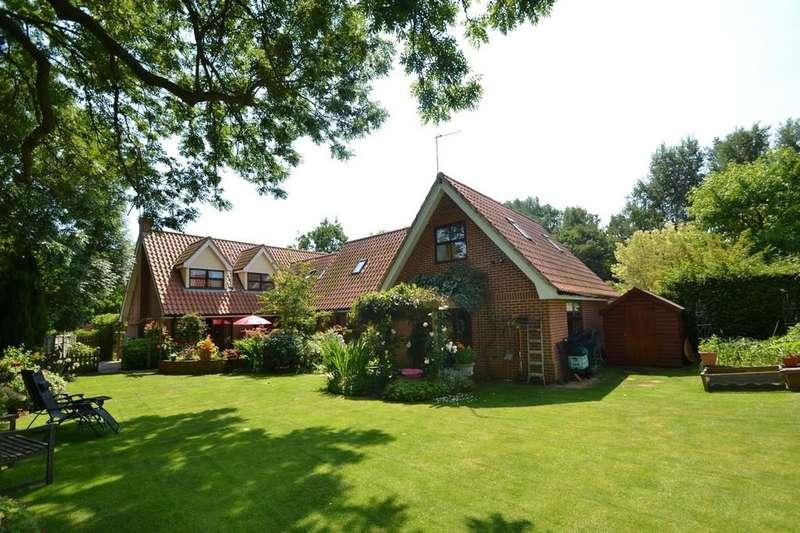 5 Bedrooms Detached House for sale in School Hill, Copdock, Ipswich, IP8 3HY