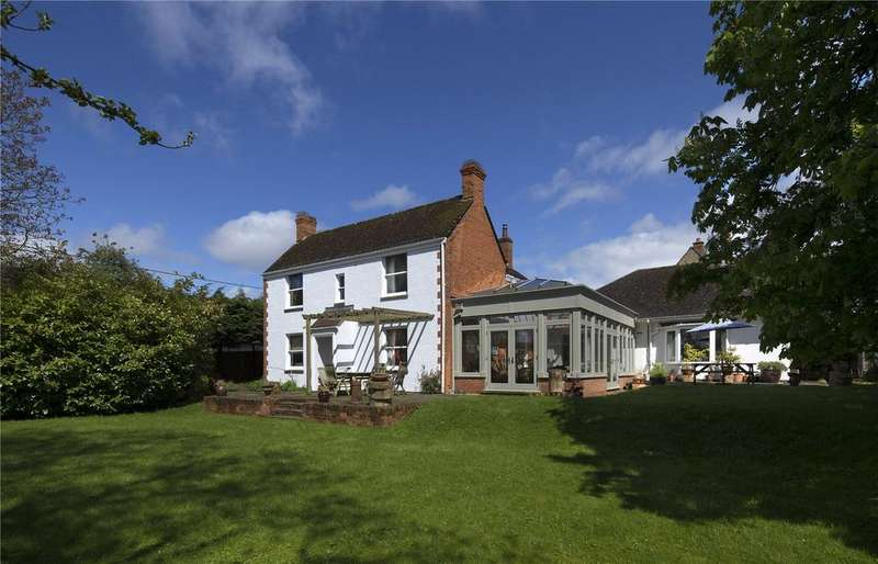 4 Bedrooms Detached House for sale in Churchfields, Stonesfield, Witney, Oxfordshire, OX29