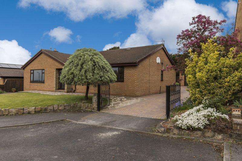 4 Bedrooms Detached Bungalow for sale in Forest Drive, Ormesby Bank