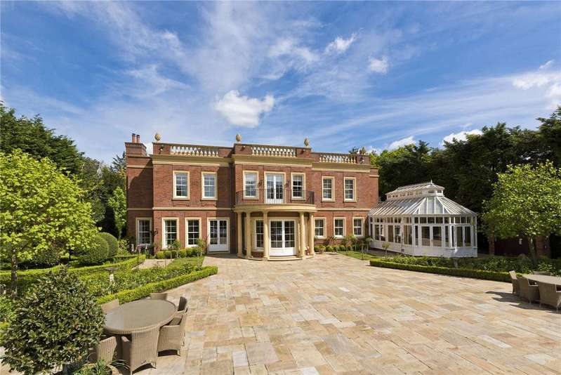 4 Bedrooms Detached House for sale in Hill House Drive, St. Georges Hill, Weybridge, Surrey, KT13
