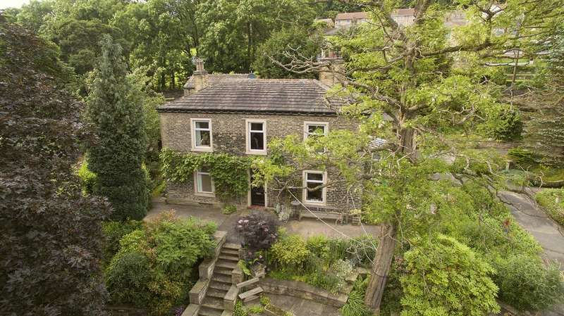 4 Bedrooms Detached House for sale in Fenny Royd Hall annexed Cottage, Hipperholme, Halifax, HX3