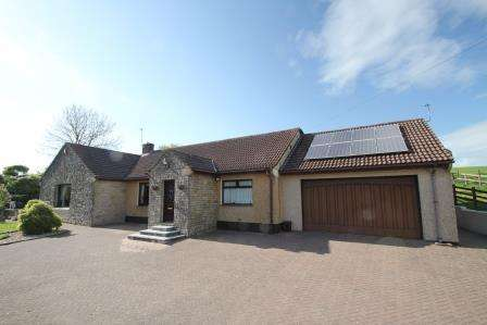 4 Bedrooms Detached House for sale in Oakhill, RADSTOCK BA3