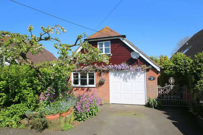 4 Bedrooms Chalet House for sale in Grove Lane, Iden, Rye