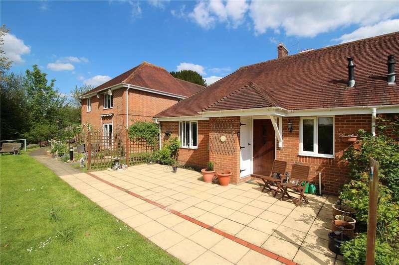 2 Bedrooms Retirement Property for sale in Oaklea Court, High Street, Hartfield, East Sussex
