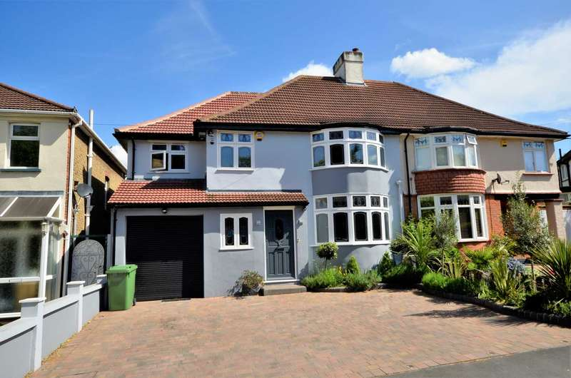 5 Bedrooms Semi Detached House for sale in Park Drive, Romford