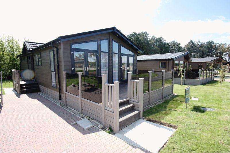2 Bedrooms Lodge Character Property for sale in ** STUNNING LOCATION ** Country lodge at The Pines, Runswick