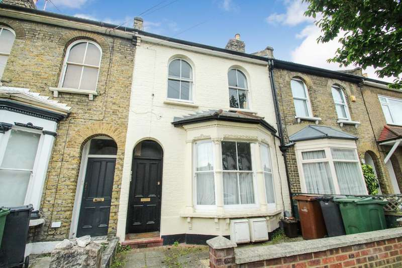 2 Bedrooms Flat for sale in Michael Road, Leytonstone, E11