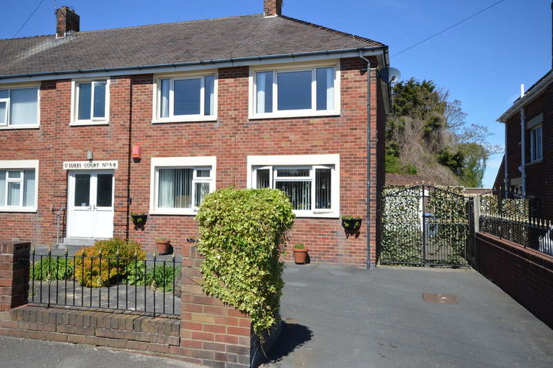 3 Bedrooms Flat for sale in St. Lukes Road, South Shore, Blackpool