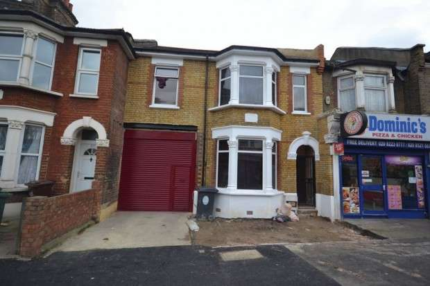 4 Bedrooms Terraced House for sale in Forest Road Forest Road, Walthamstow, E17