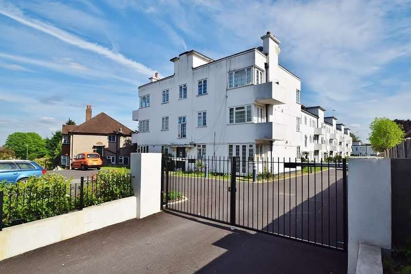 2 Bedrooms Flat for sale in TORRINGTON PARK, NORTH FINCHLEY, LONDON, N12