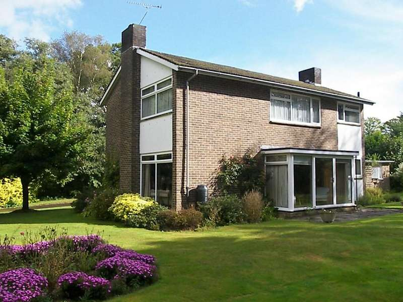 3 Bedrooms Detached House for rent in West Chiltington, West Sussex, RH20