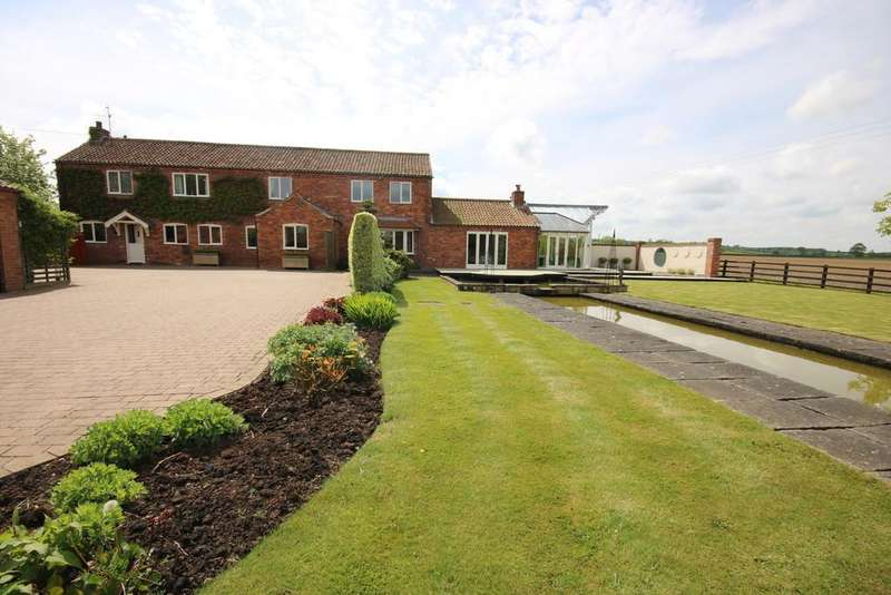 4 Bedrooms Barn Conversion Character Property for sale in Racecourse Farm Barn, Hose.