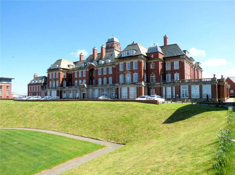 3 Bedrooms Apartment Flat for sale in Admiral Point, Queens Promenade, Bispham