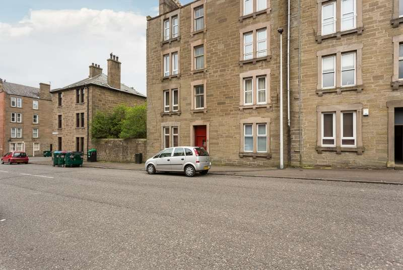 1 Bedroom Flat for sale in Pitfour Street, Dundee, DD2 2NY