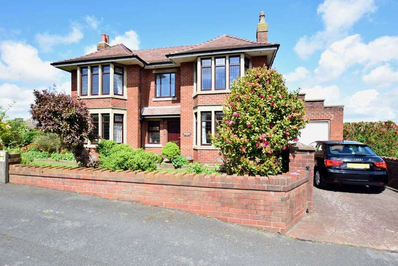 4 Bedrooms Detached House for sale in Myrtle Drive, Kirkham