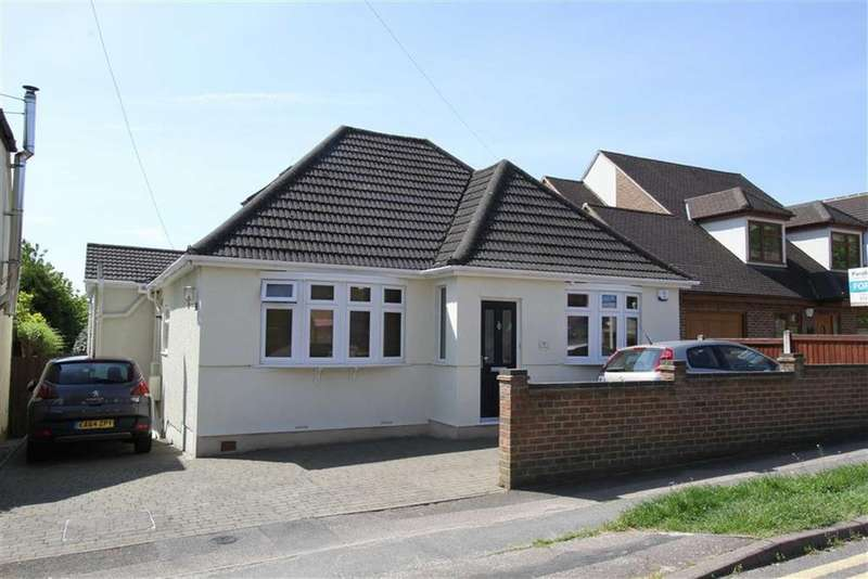 4 Bedrooms Detached House for sale in Crown Road, Billericay