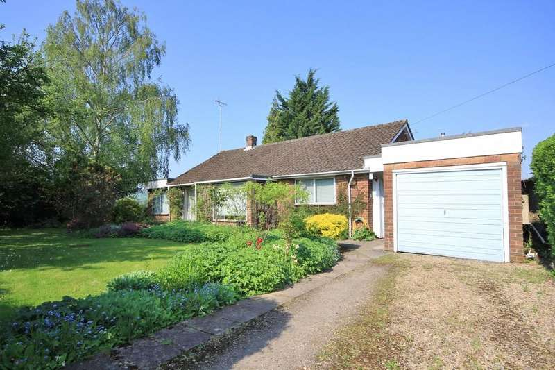 3 Bedrooms Detached Bungalow for sale in Princes Risborough | Buckinghamshire