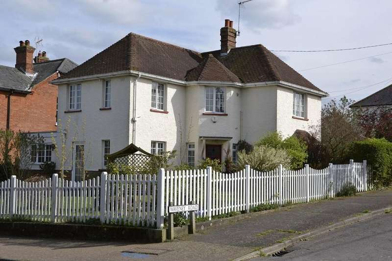 3 Bedrooms Detached House for sale in Beccles, Suffolk