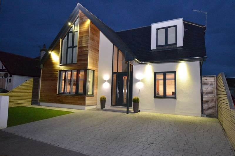 4 Bedrooms Detached House for sale in Pier Avenue, Tankerton, Whitstable