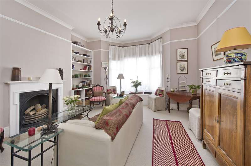 1 Bedroom Flat for sale in Boscombe Road, Shepherd's Bush