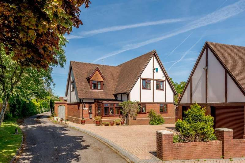 4 Bedrooms Detached House for sale in The Sydings, Speen, RG14