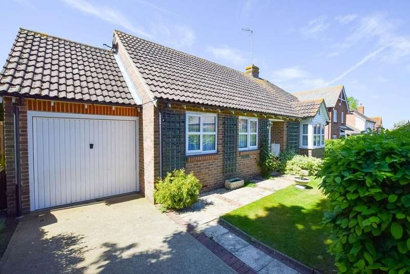 3 Bedrooms Detached Bungalow for sale in Fairfax Drive, Herne Bay