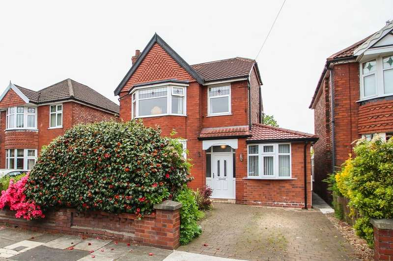 3 Bedrooms Detached House for sale in Green Walk, Stretford, Manchester, M32