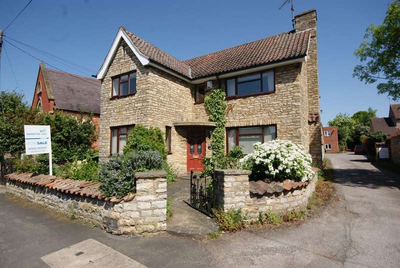 5 Bedrooms Detached House for sale in High Street, Waddington LN5