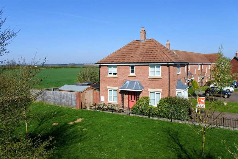 3 Bedrooms Detached House for sale in Strood Close, Harlaxton, Grantham