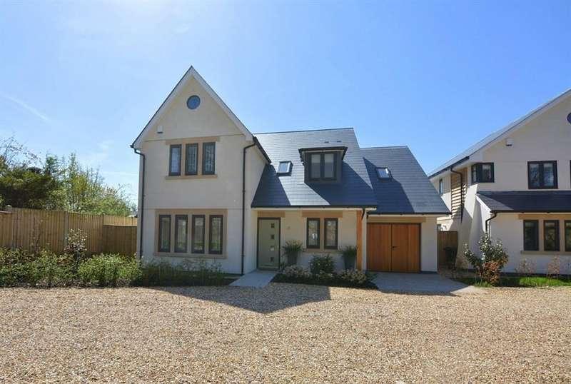 4 Bedrooms Detached House for sale in Burnbake Road, Verwood