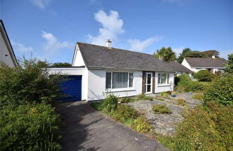 3 Bedrooms Property for sale in Rosewarne Gardens, Camborne