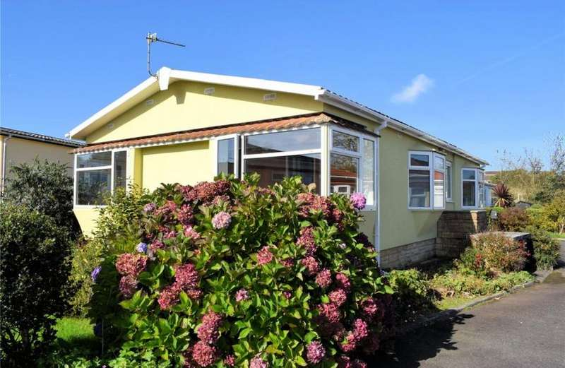 2 Bedrooms Property for sale in Gwealmayowe Park, Helston