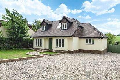 4 Bedrooms Detached Bungalow for sale in Blackness Lane, Keston
