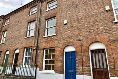 3 Bedrooms Terraced House for rent in Campbell Grove, Nottingham, NG3
