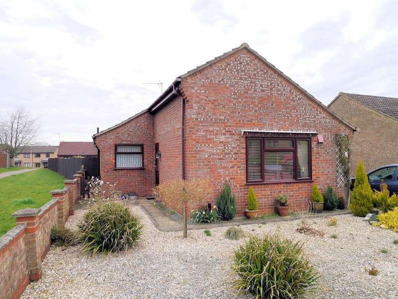 2 Bedrooms Detached Bungalow for sale in Goldfinch Close, Downham Market PE38