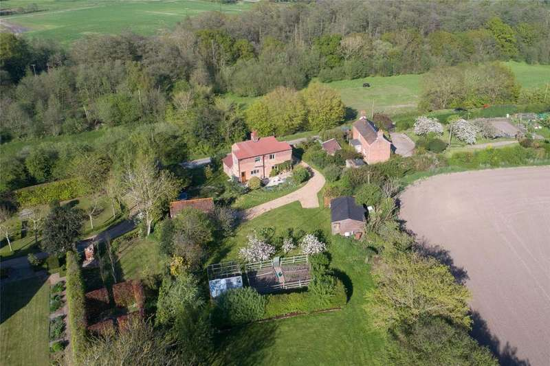 4 Bedrooms Detached House for sale in The Hill, Swanton Abbott, Norfolk, NR10