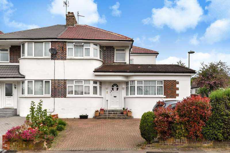 4 Bedrooms House for sale in Tavistock Avenue, London, NW7